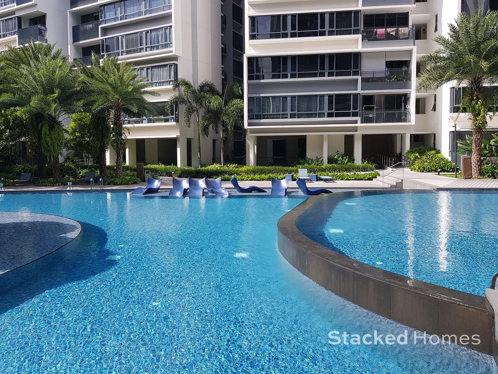 palette condo pool chairs