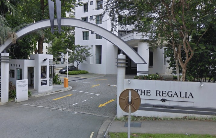 the regalia en bloc