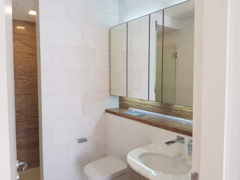 duo residences 2 bedroom toilet