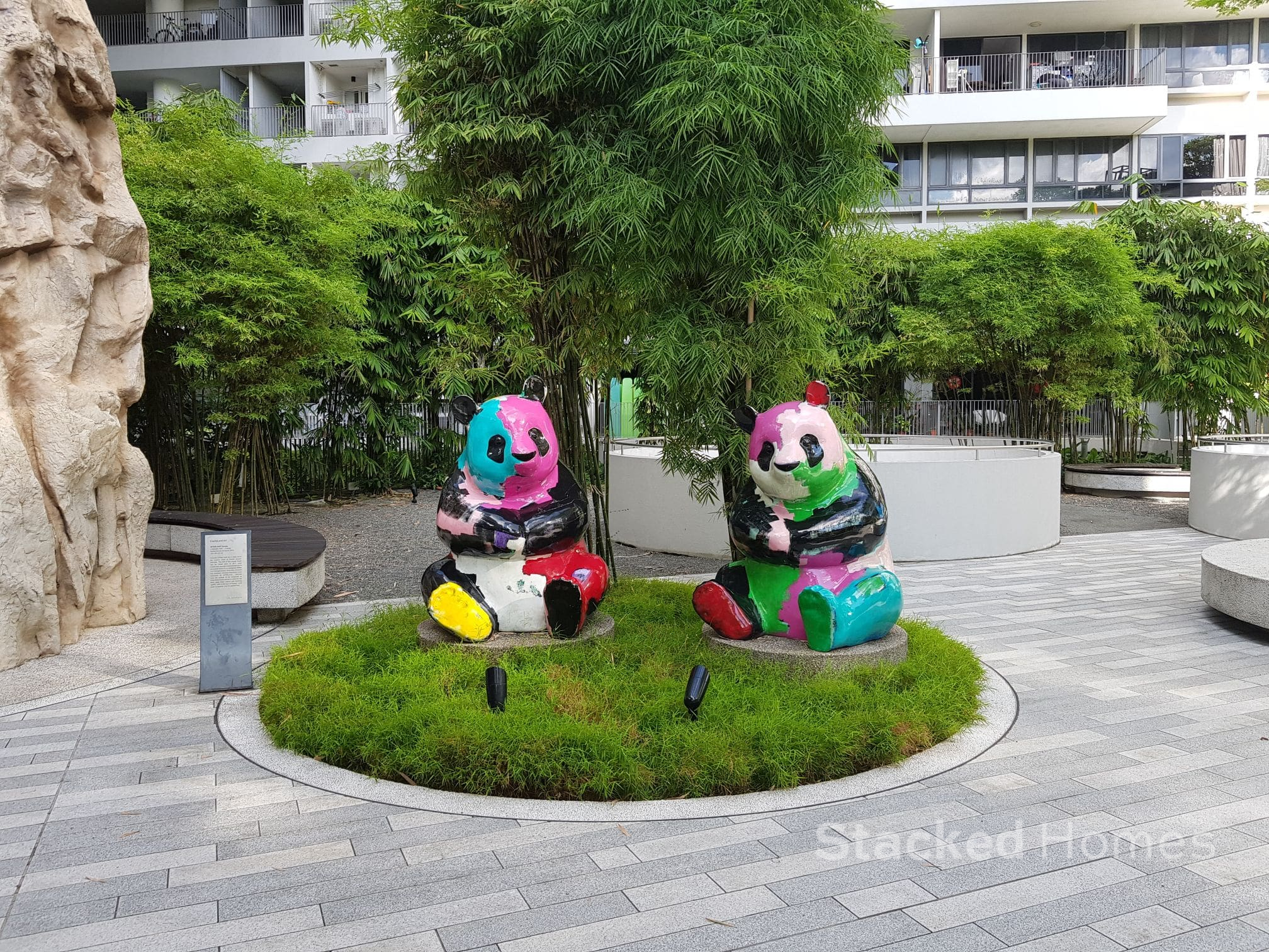 the interlace panda statues