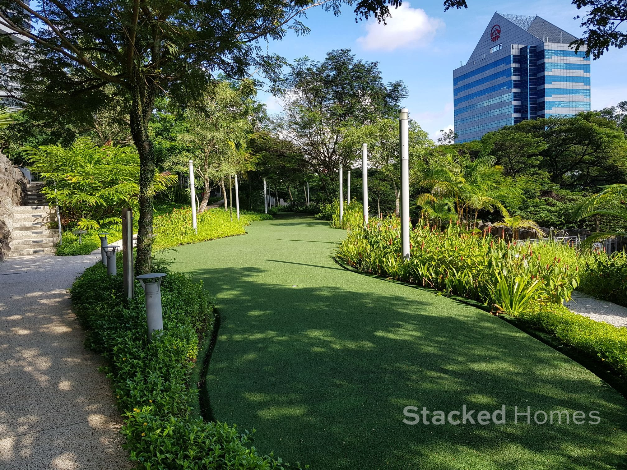 the interlace putting green area