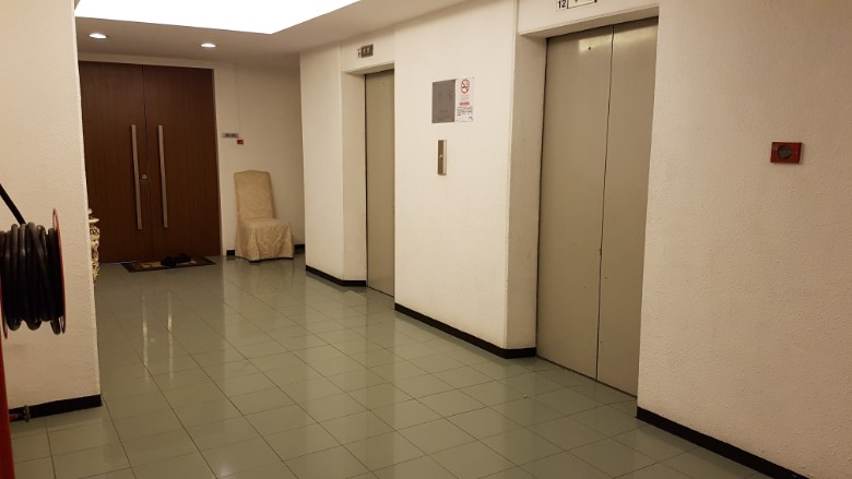 orchard towers lift lobby