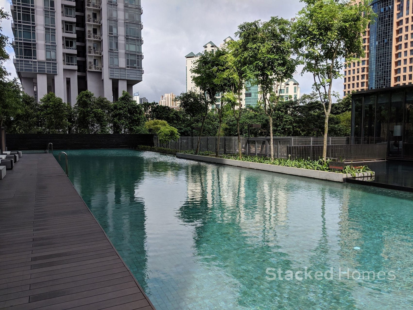 echelon condo swimming pool
