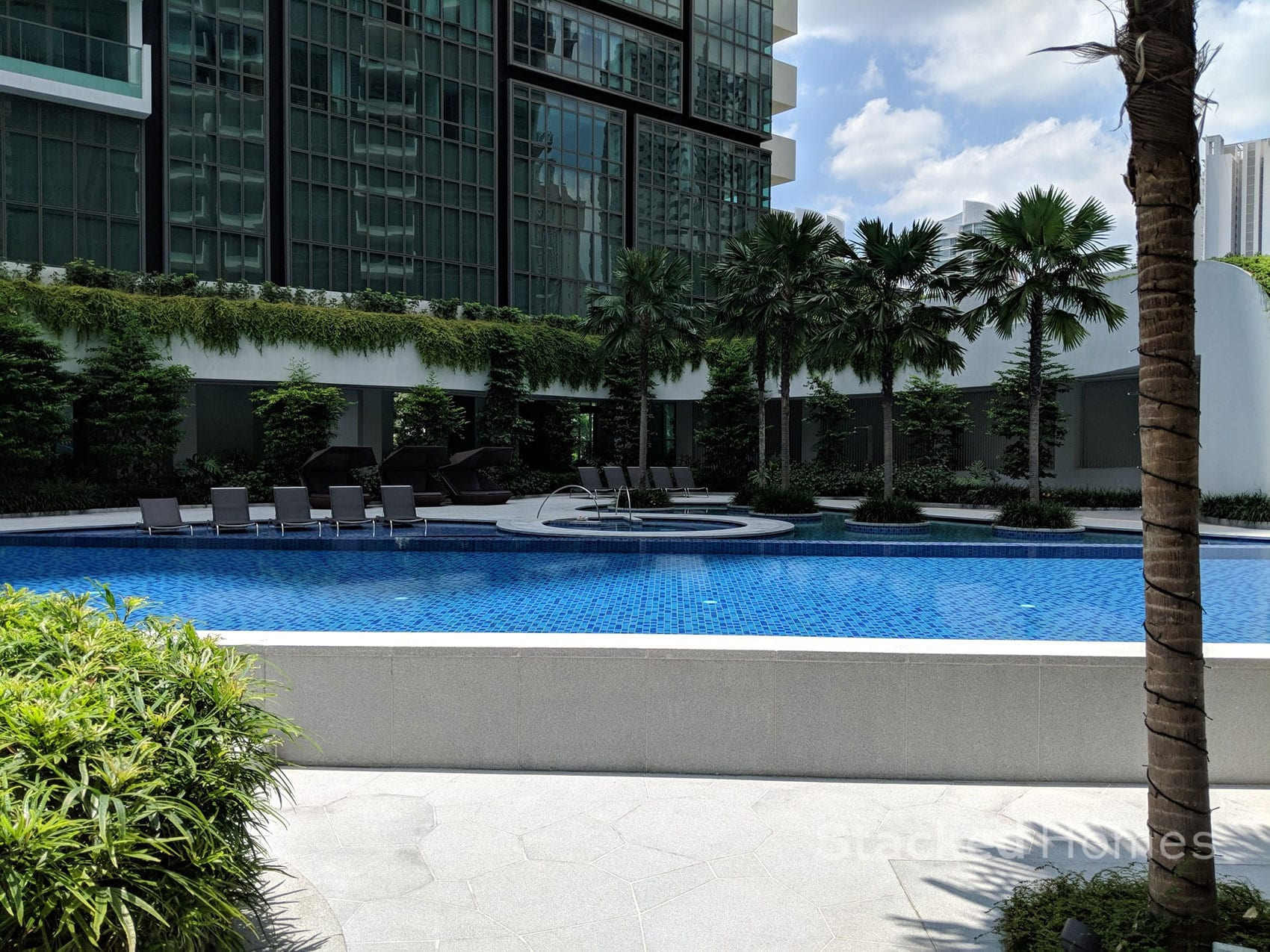 8 st thomas condo swimming pool