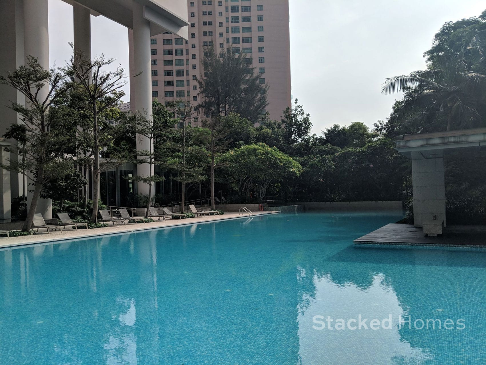 cosmopolitan condo swimming pool