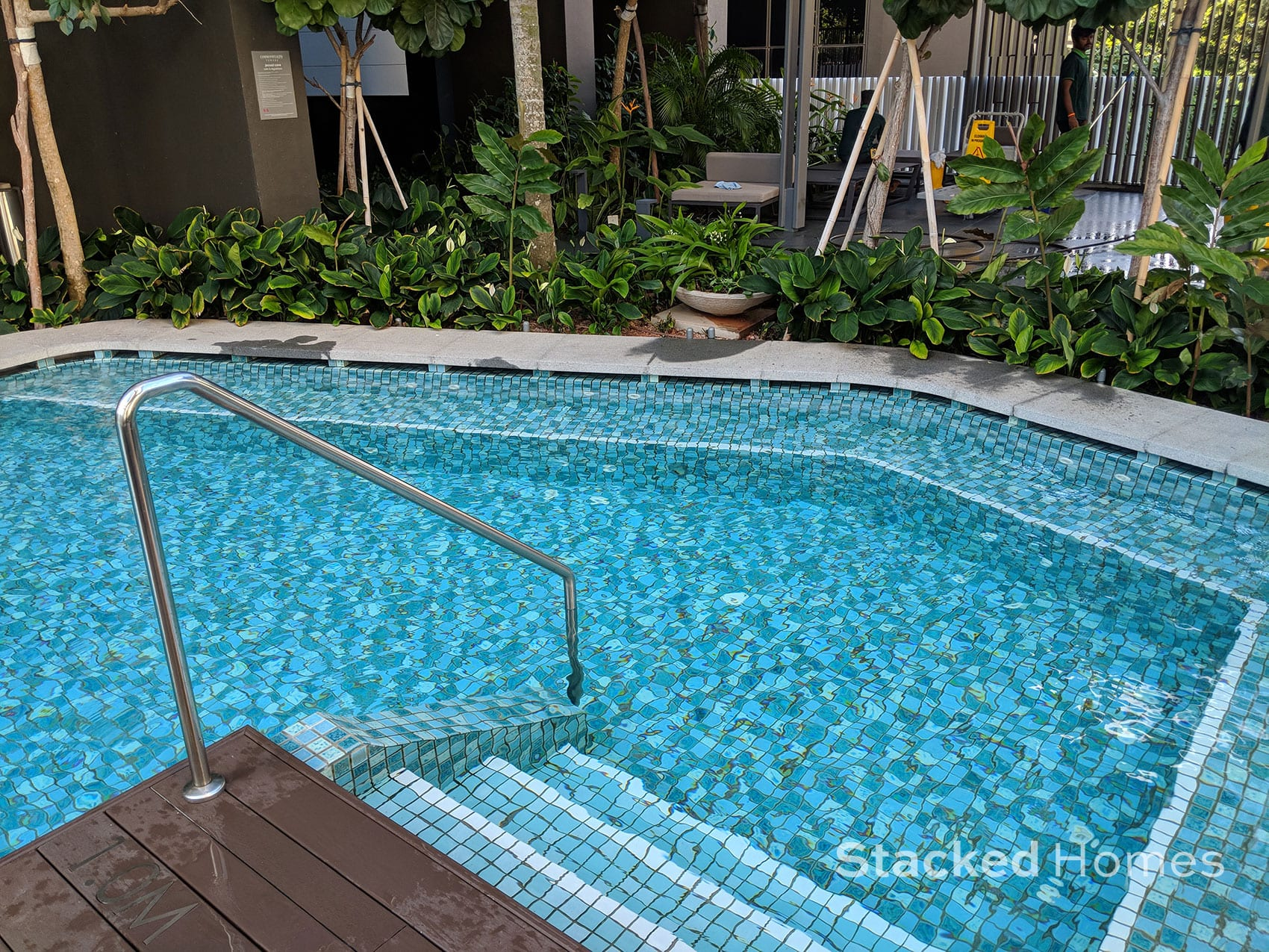 commonwealth towers jacuzzi