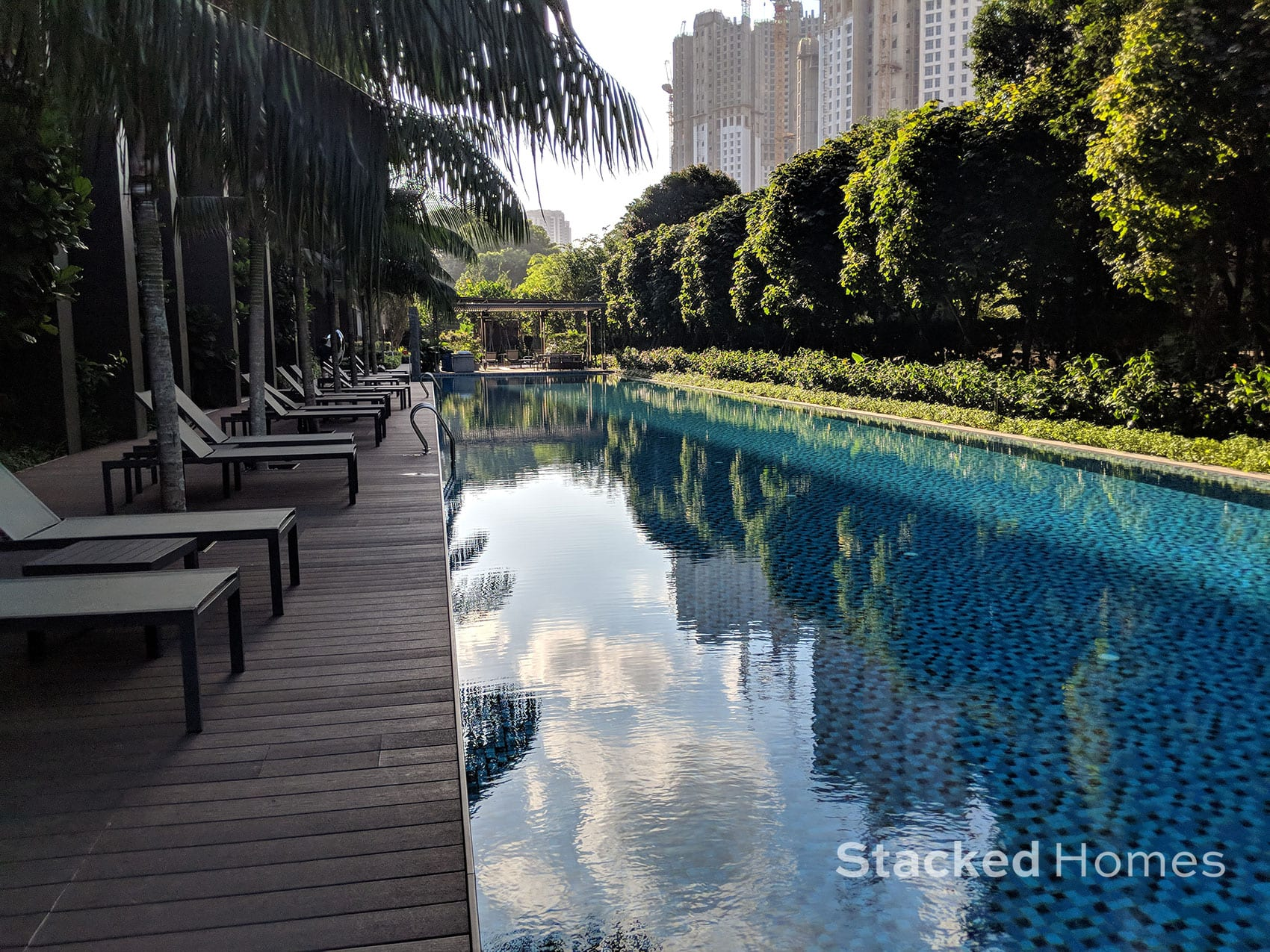commonwealth towers swimming pool