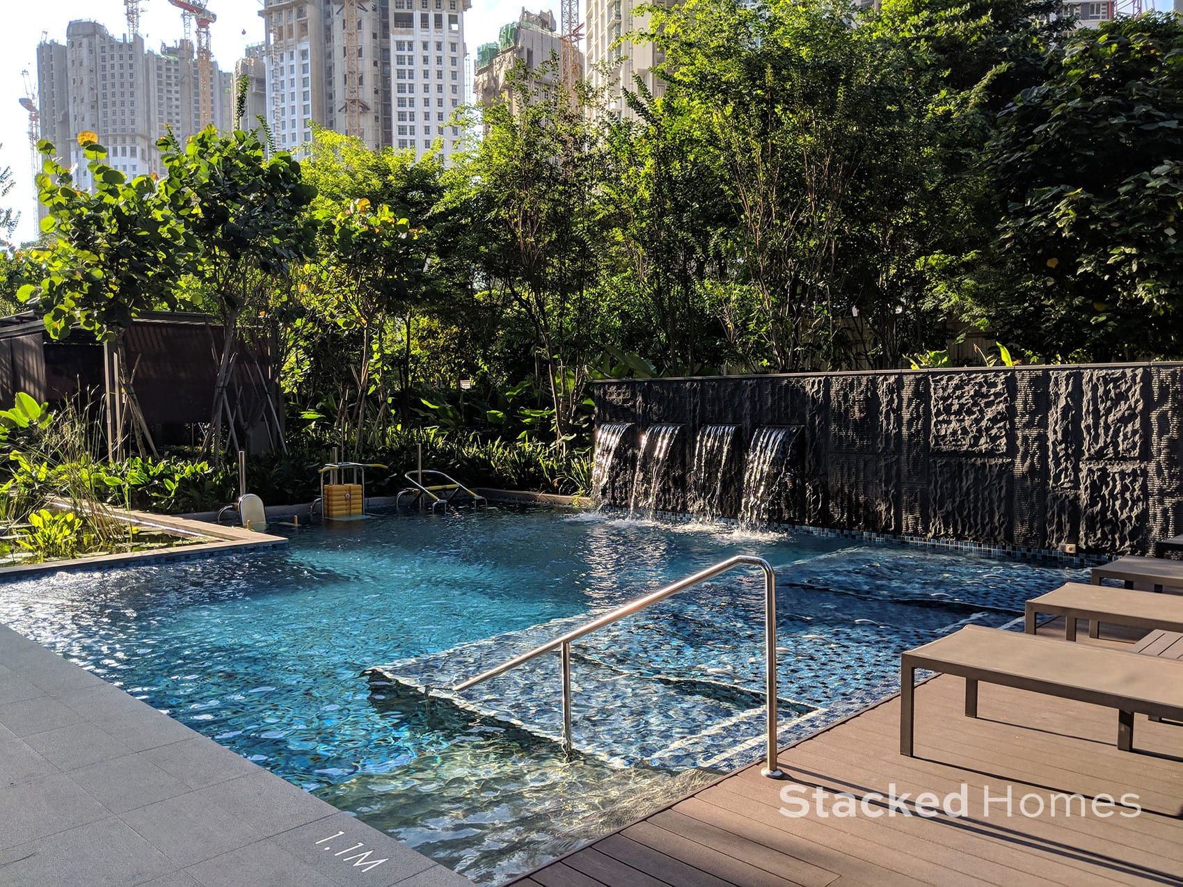 commonwealth towers small pool
