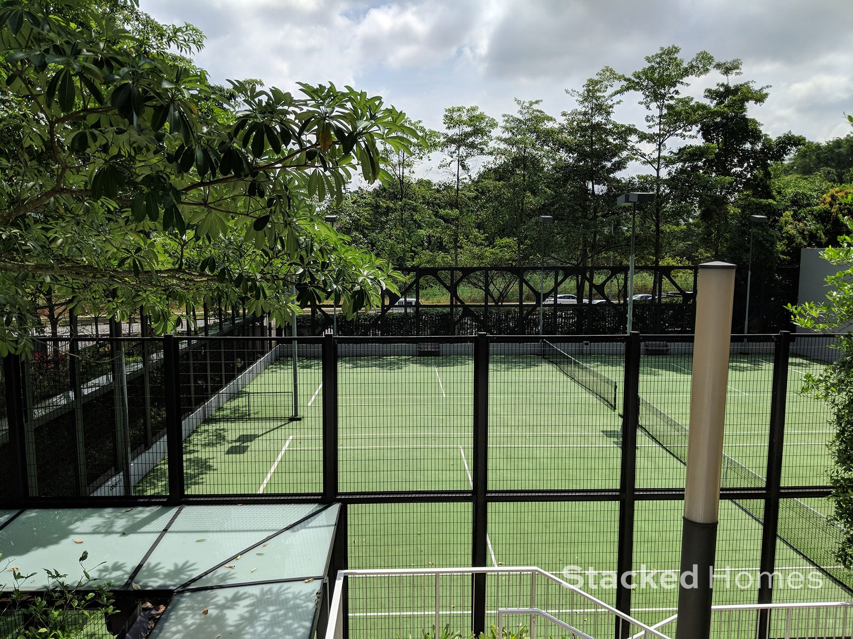tree house condo tennis court