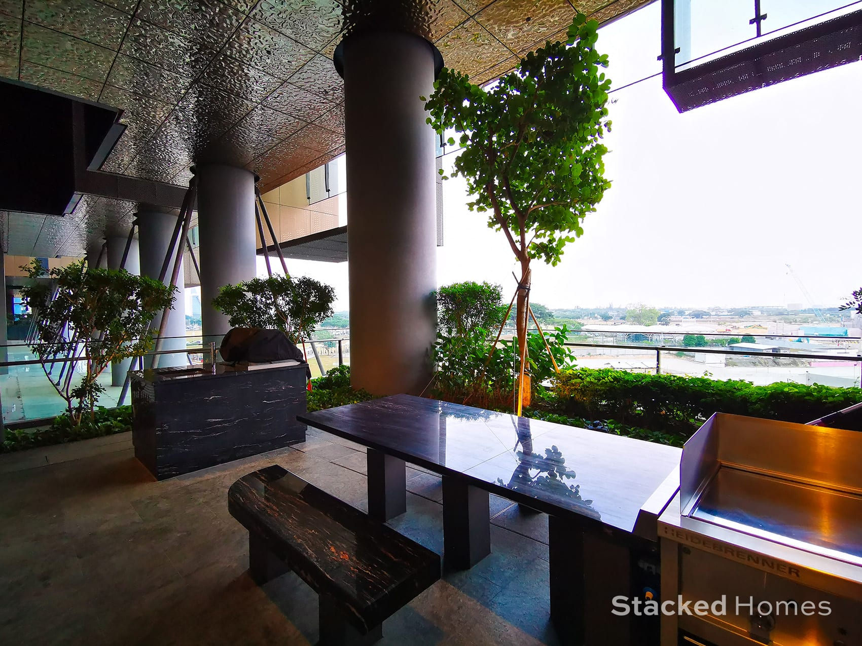 marina one residences outdoor dining