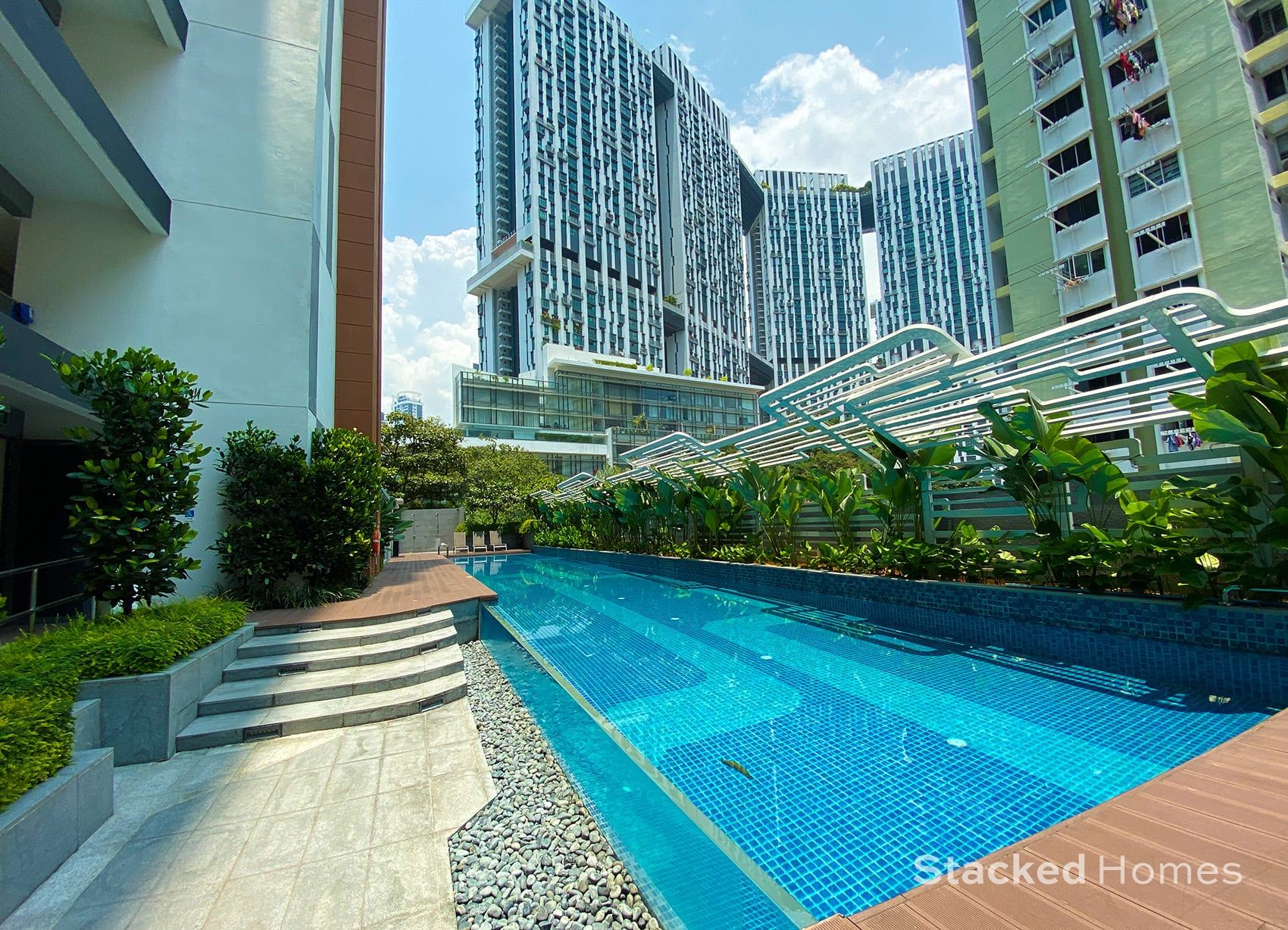 onze tanjong pagar lap pool glass