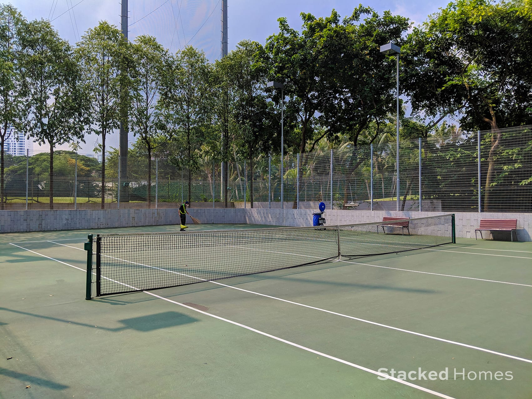 reflections at keppel bay tennis court