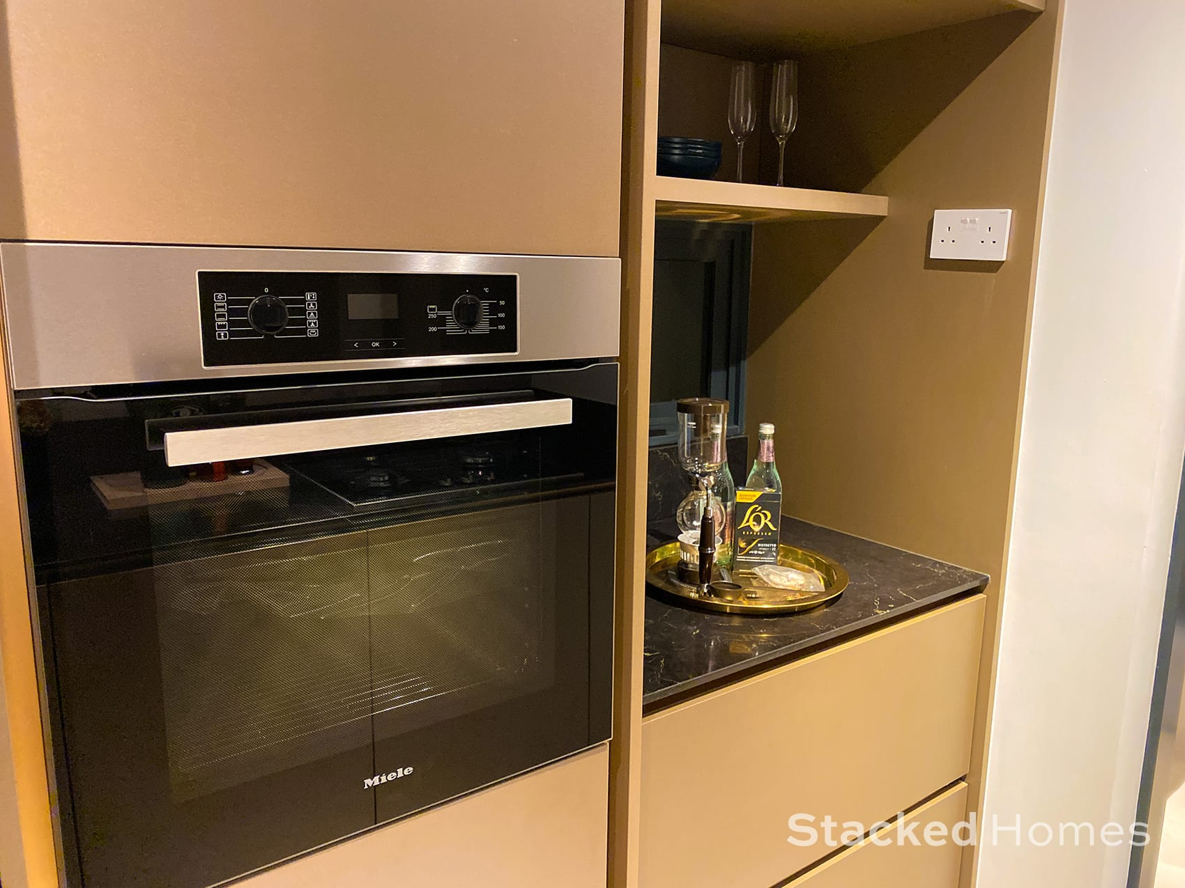 royalgreen 3 bedroom kitchen oven
