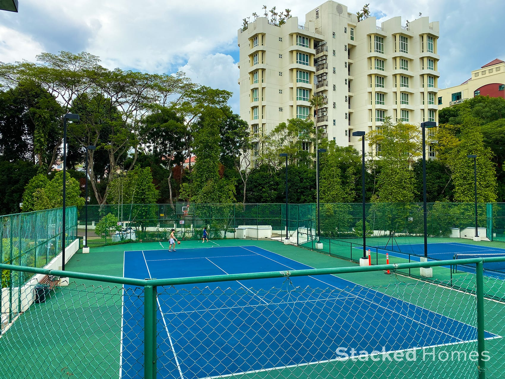 Signature park tennis court