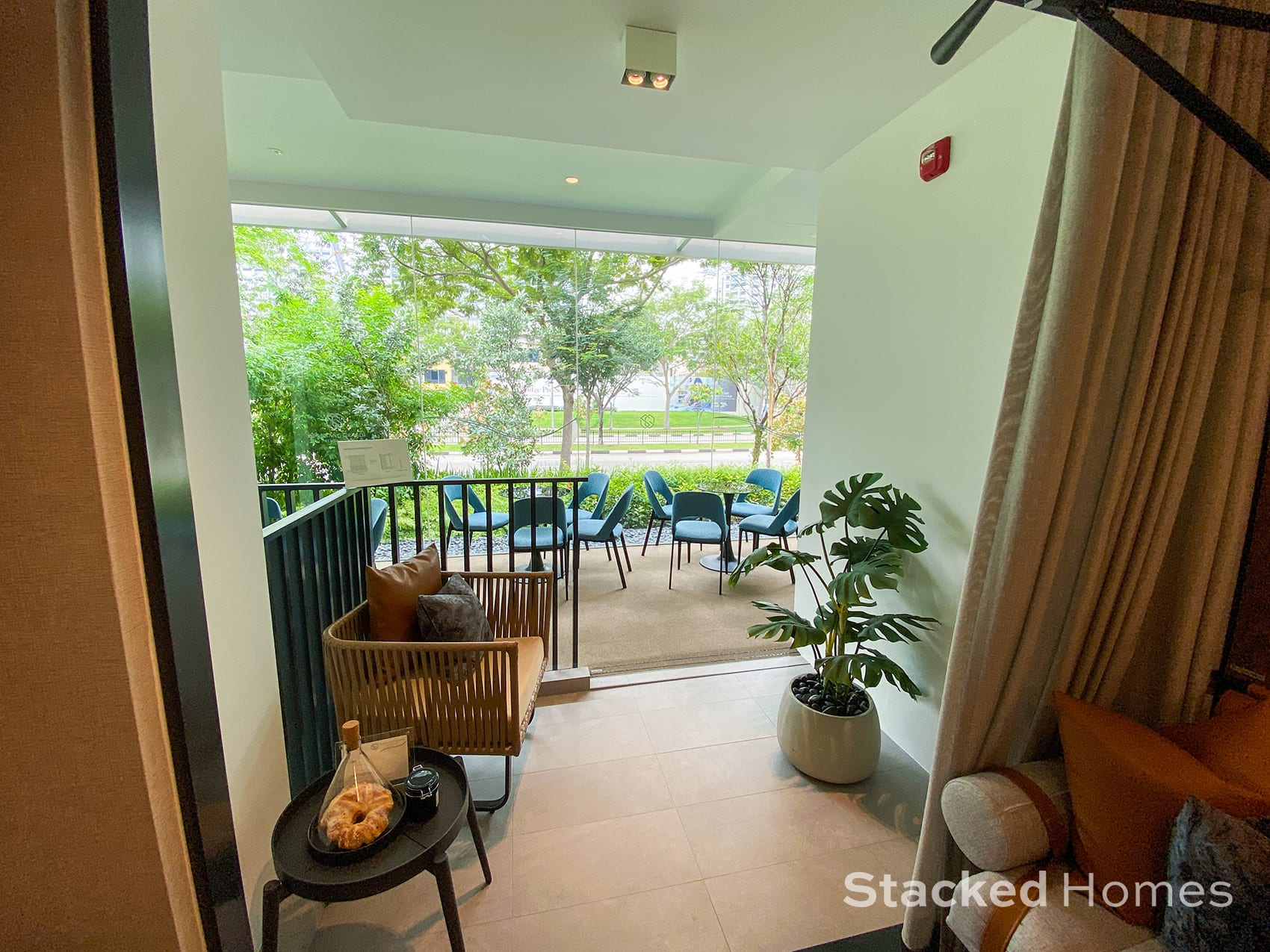 sengkang grand residences 1 bedroom study balcony