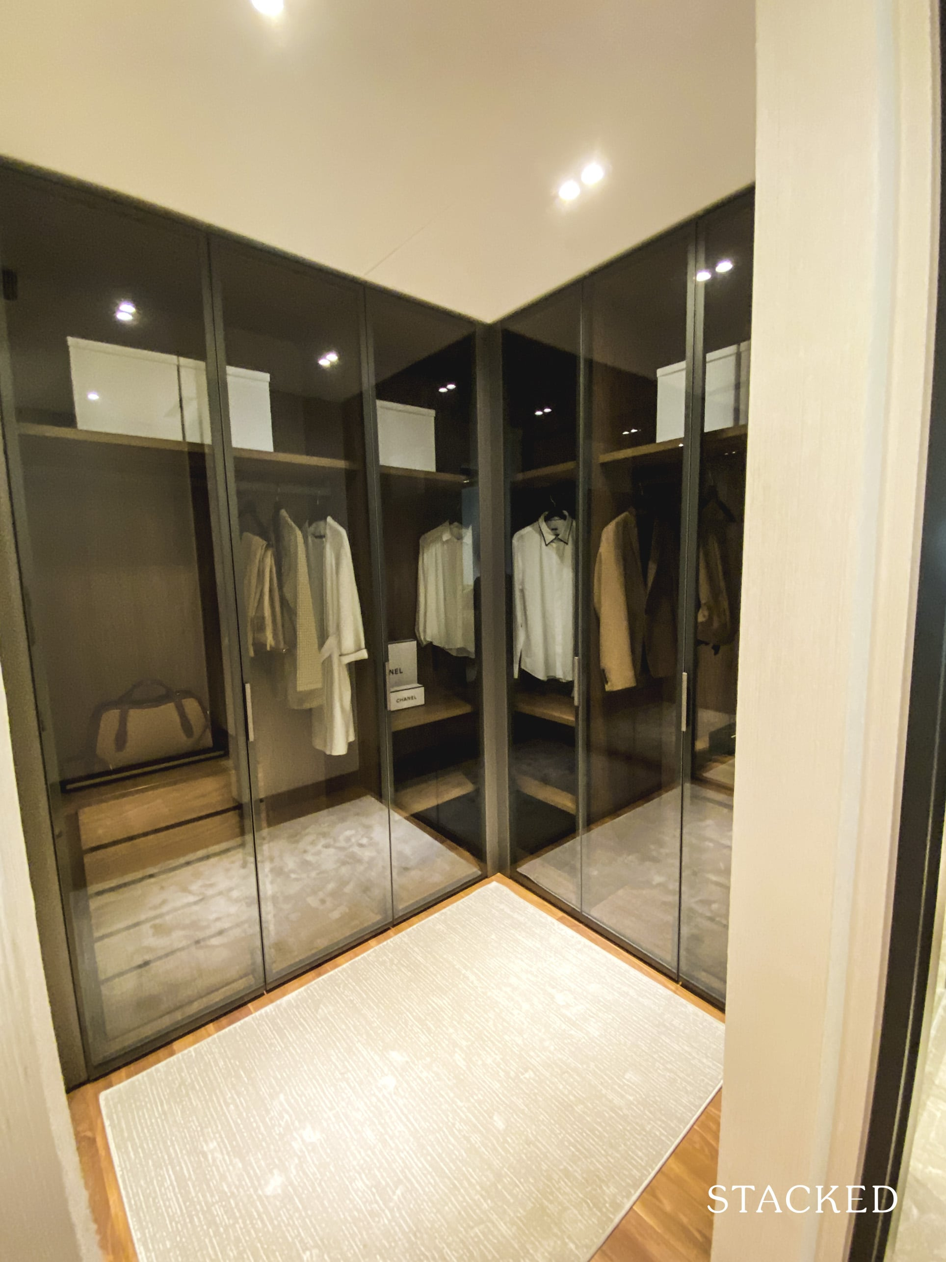 boulevard 88 walk-in wardrobe
