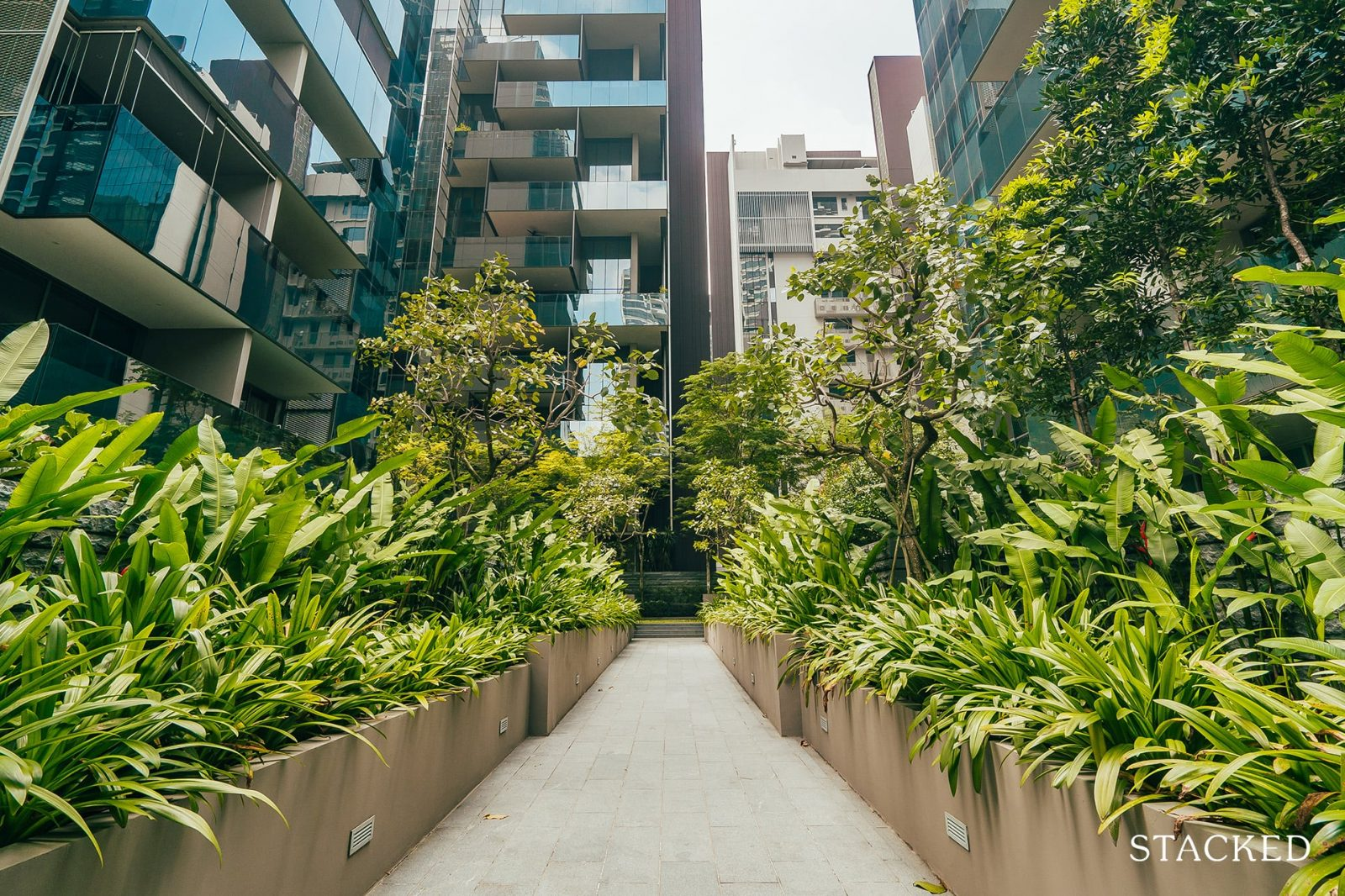 Leedon residence walking path