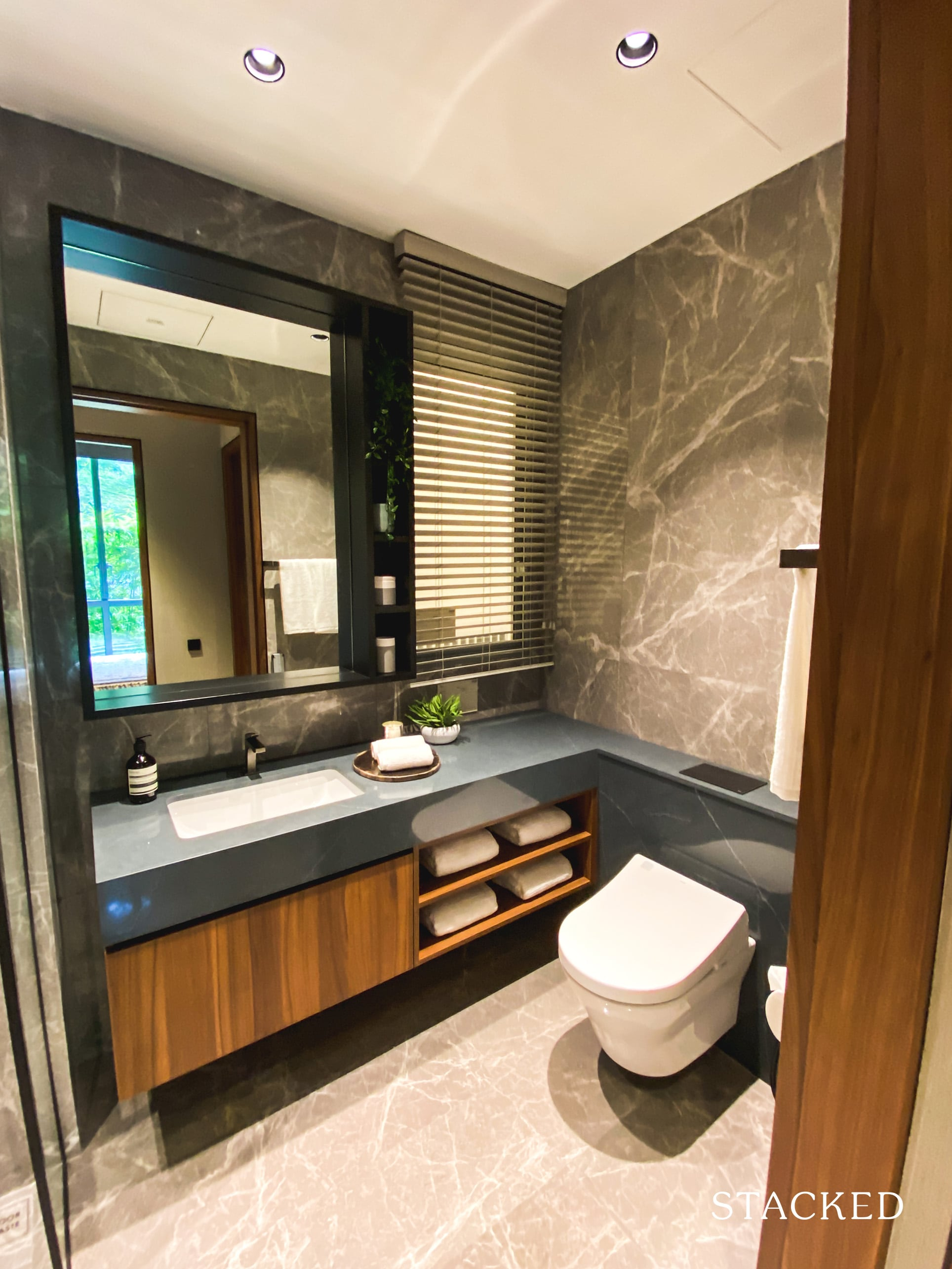 one holland village residences 3 bedroom common bathroom