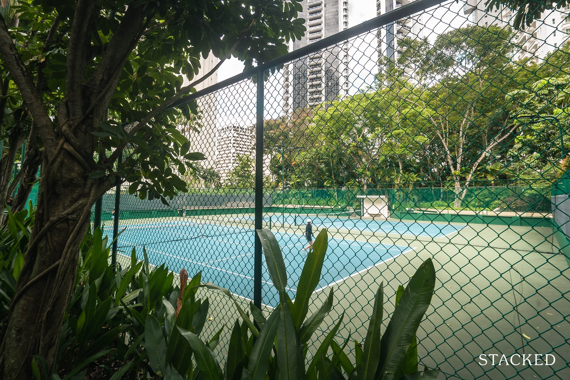 the claymore tennis court