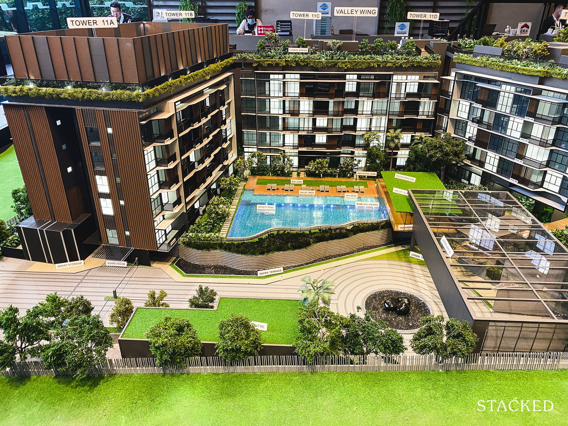 daintree residence showflat model