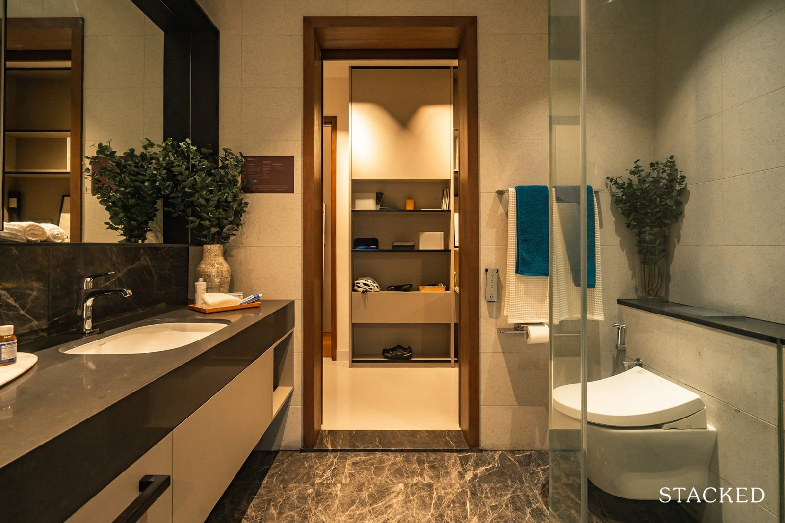 parksuites 2 bedrooms study common bathroom