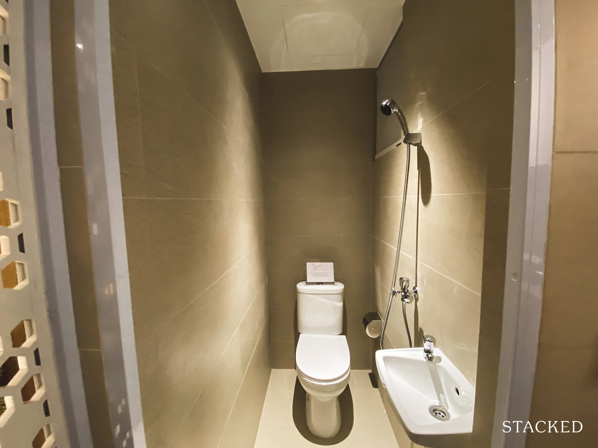 Stirling Residences 3 bedroom small bathroom