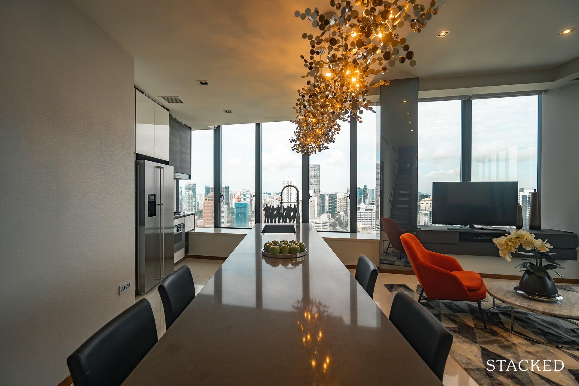 the Scotts tower 3 bedroom dining