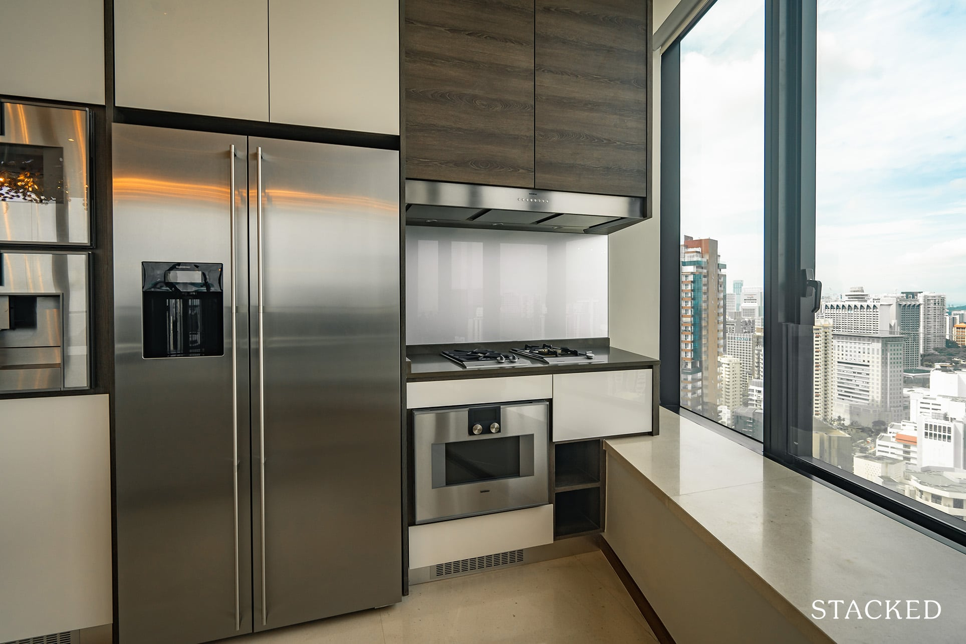 the Scotts tower 3 bedroom kitchen
