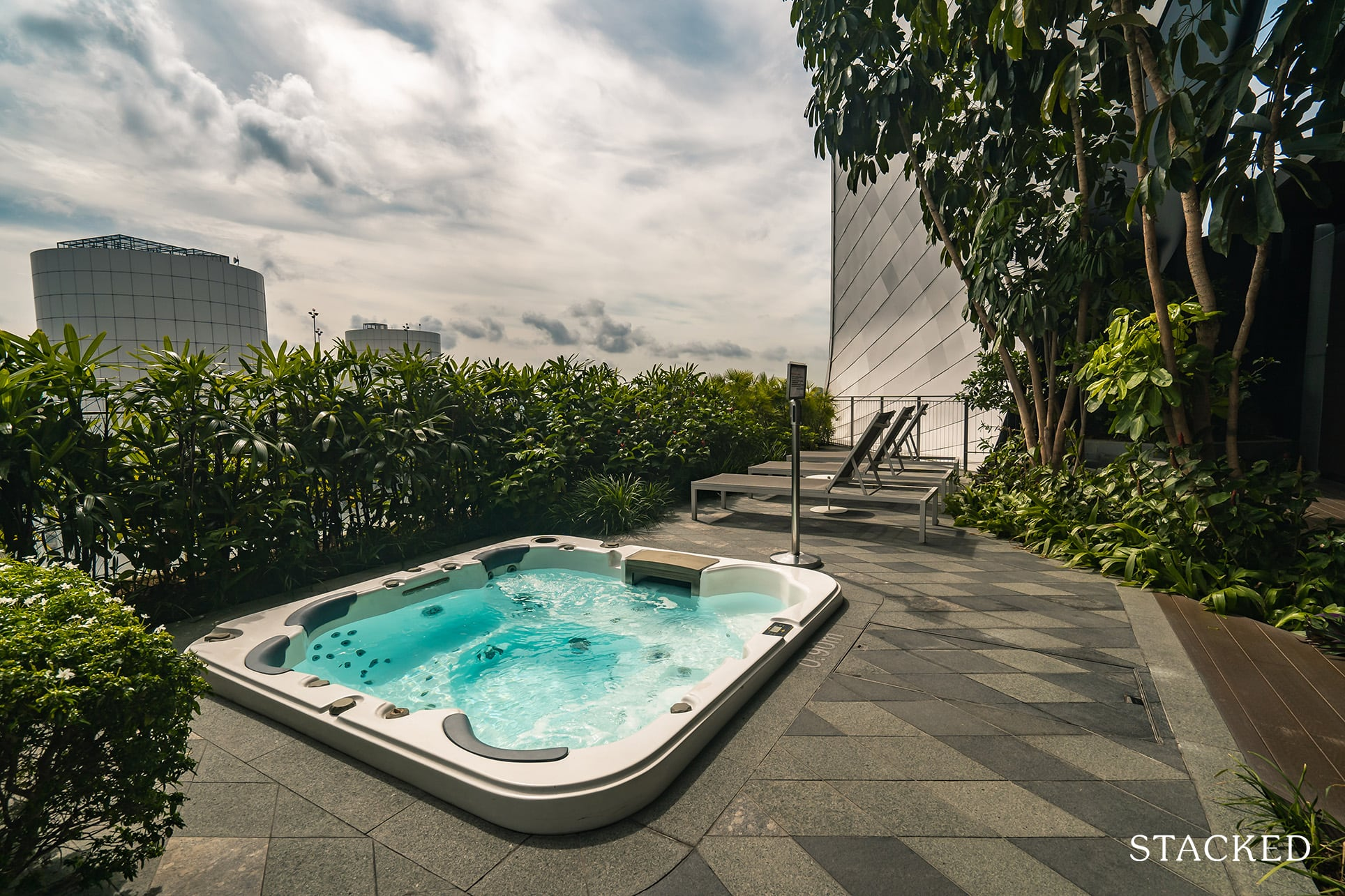 the Scotts tower jacuzzi