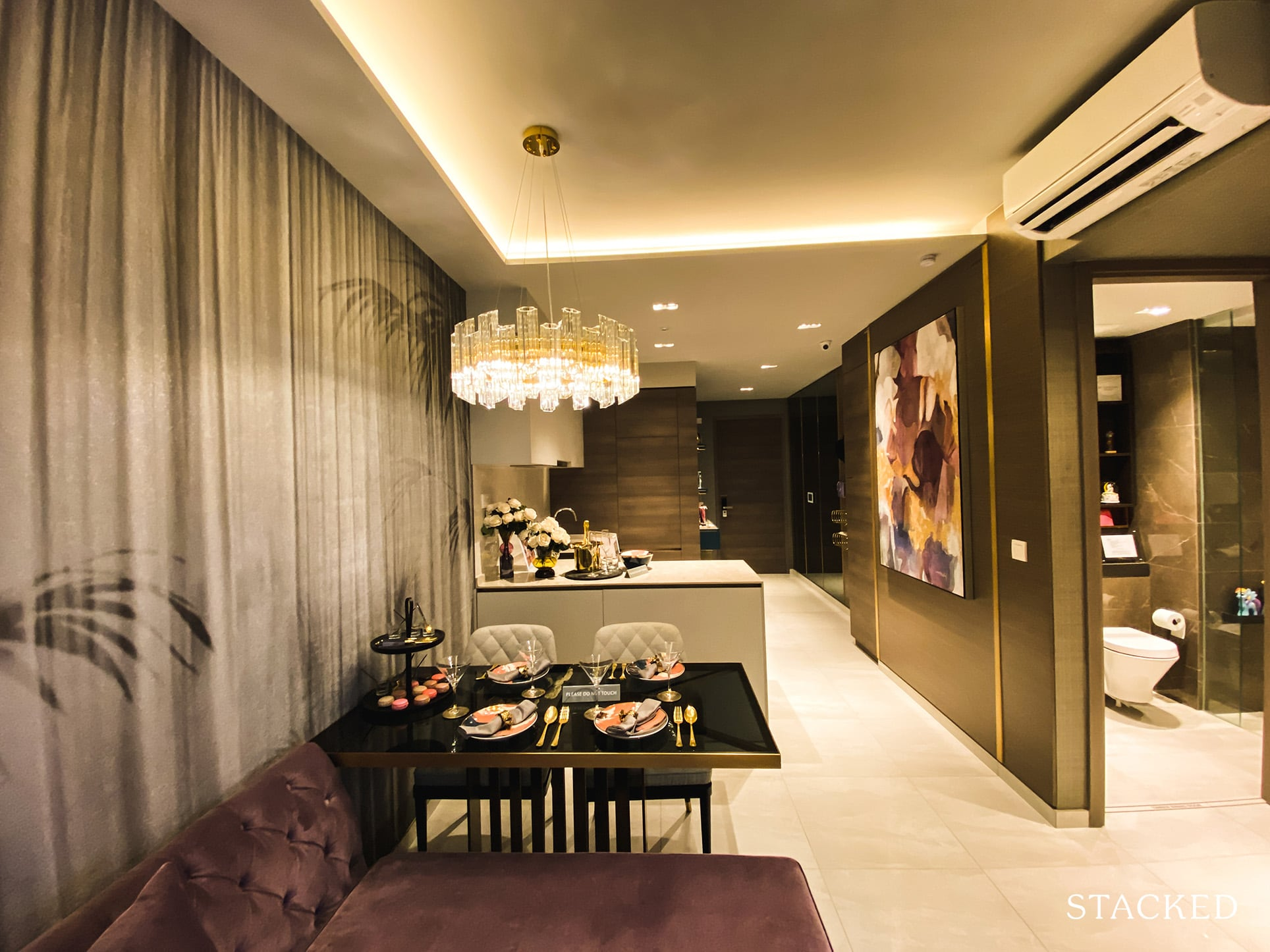 Florence Residences 2 bedroom deluxe dining
