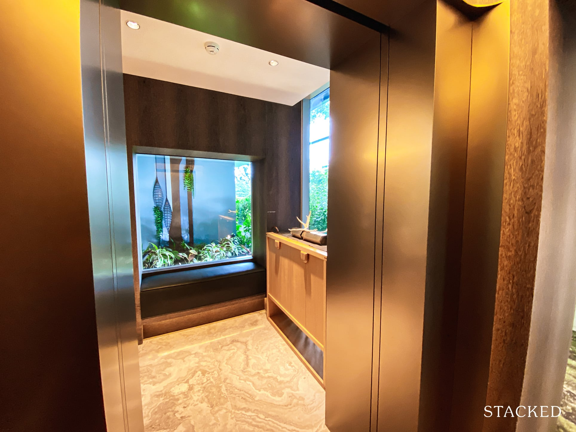 15 holland hill 4 bedroom private lift lobby