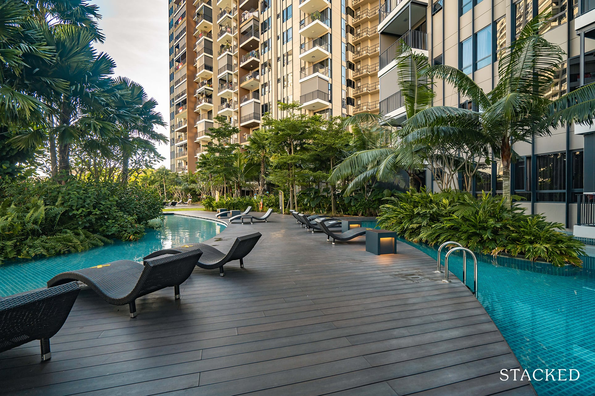 high park residences pool deck chairs