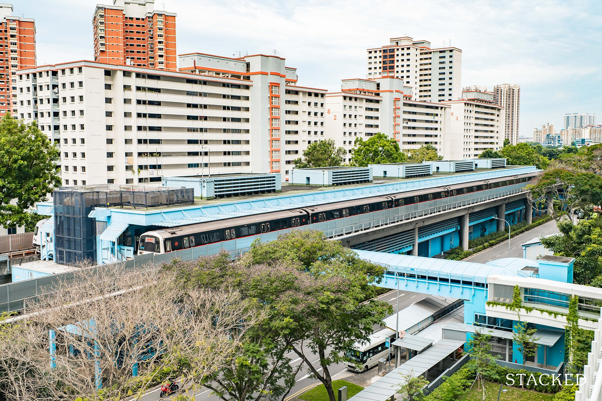 queens peak mrt station