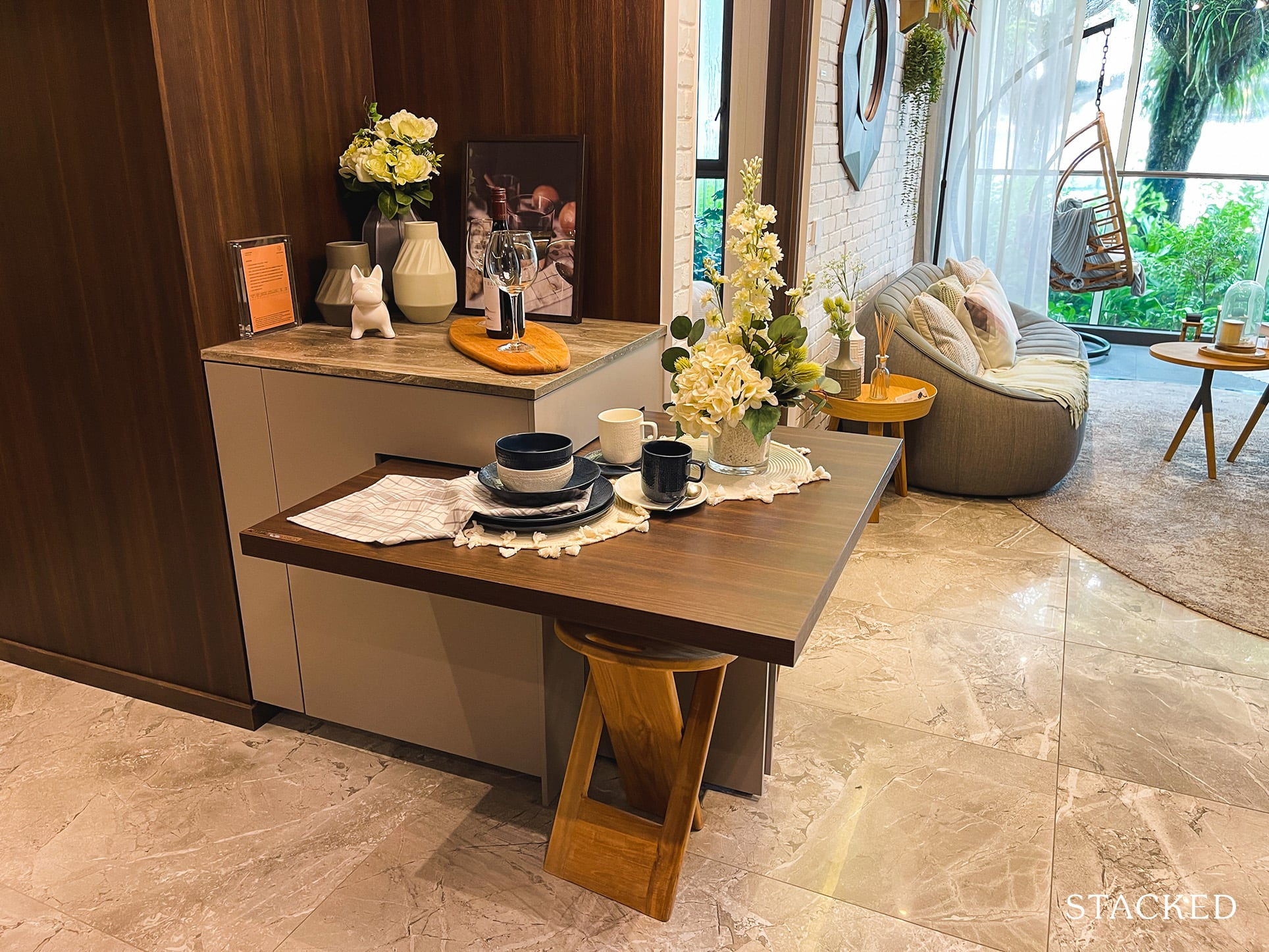 one pearl bank 2 bedroom dining
