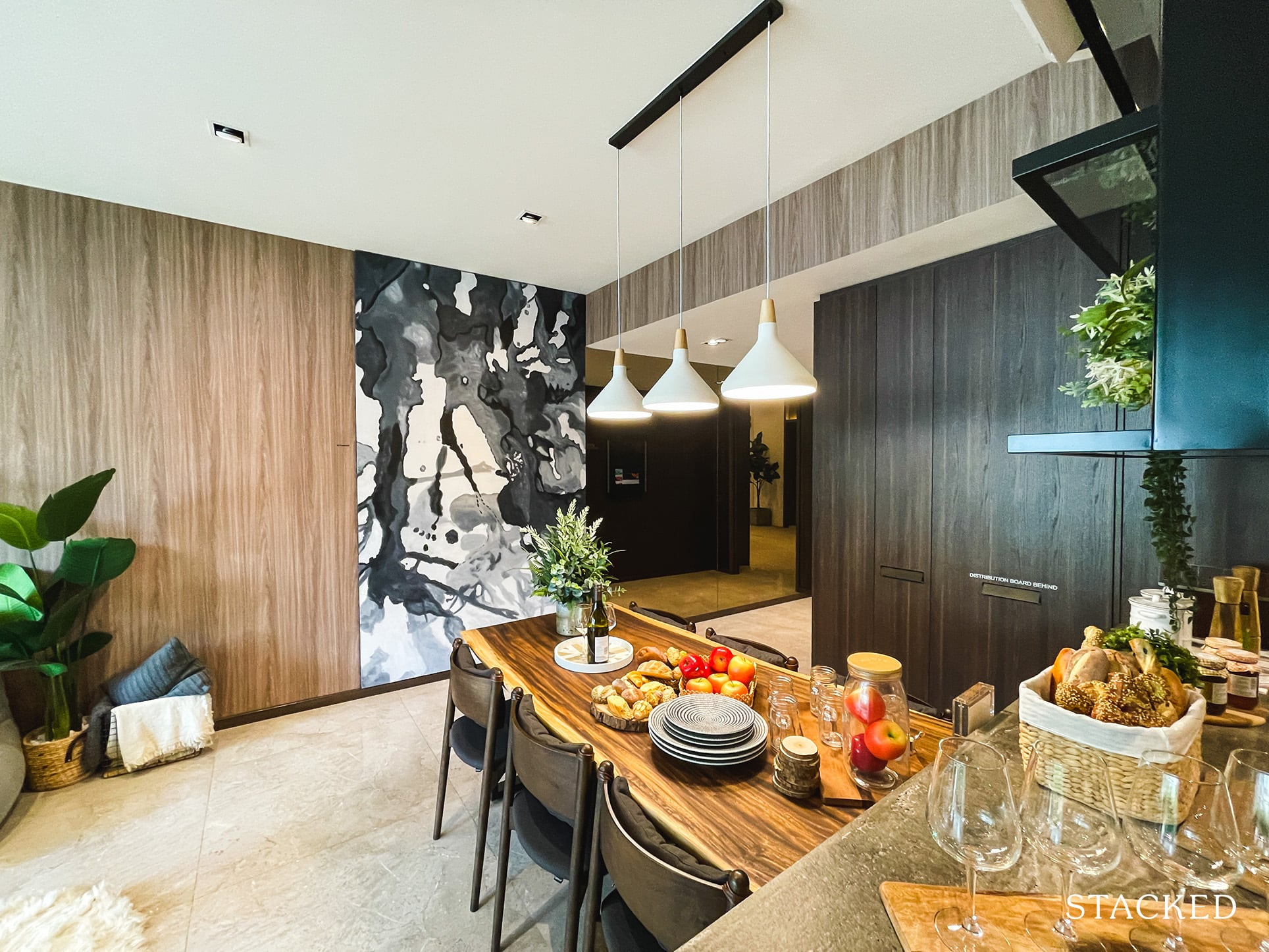 one pearl bank 3 bedroom dining
