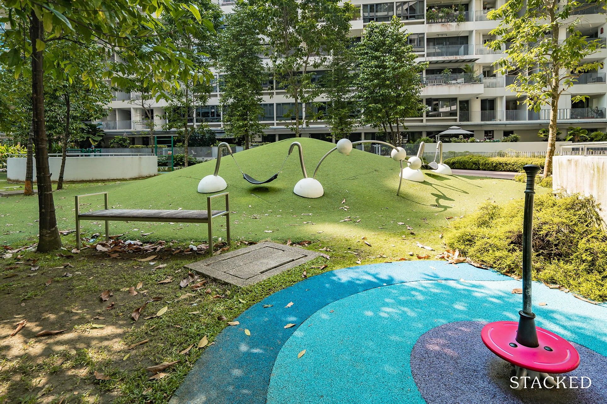 the interlace open green