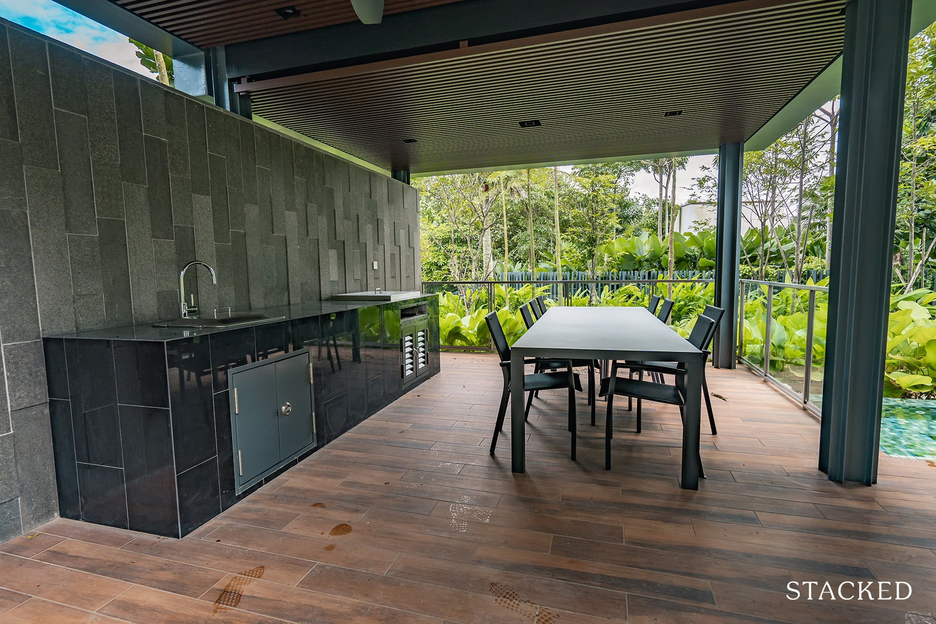 twin vew dining pavilion 3
