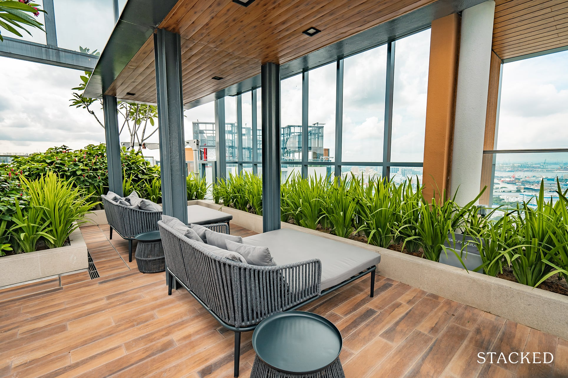 twin vew rooftop lounge
